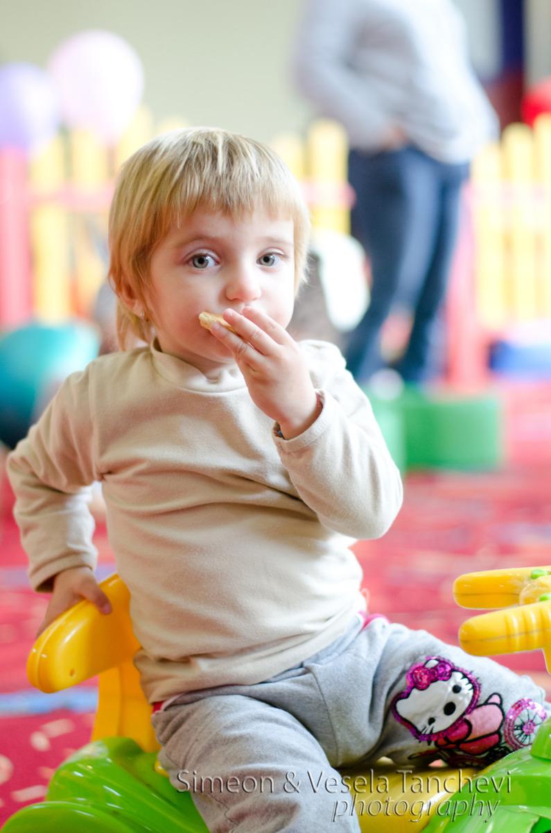 Детски фотограф за фотозаснемане на детски рожден ден Пловдив 5