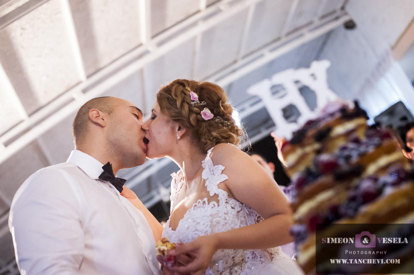 Уловени сватбени моменти в сватбен репортаж от сватбен фотограф в София, Пловдив, Пазарджик, Бургас, Варна, Стара Загора, Ямбол 316